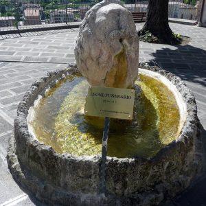 Leone funerario romano